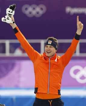 Свен Крамер взе трета титла на 5000 метра кънки бягане