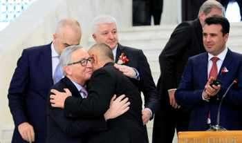 Юнкер защити Борисов от критичните медии