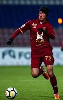 3 млн. евро спират Ивелин Попов да играе в събота