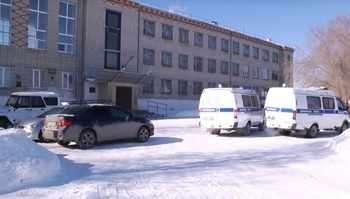 Момиче стреля в училище в Курганска област