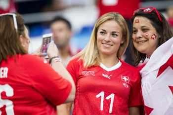 Швейцария ще е без двама титуляри на 1/8-финала