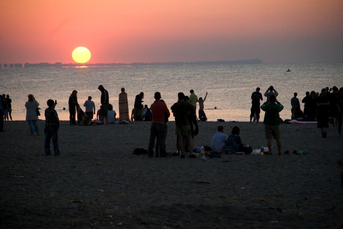 По традиция на 1 юли стотици българи посрещат изгрева по