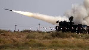 Снимка: Владимир Путин пристига в Белград с танкове и ракети