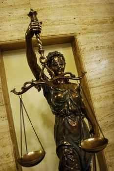 Съюзът на съдиите призова в декларация вносителите на проекта за
