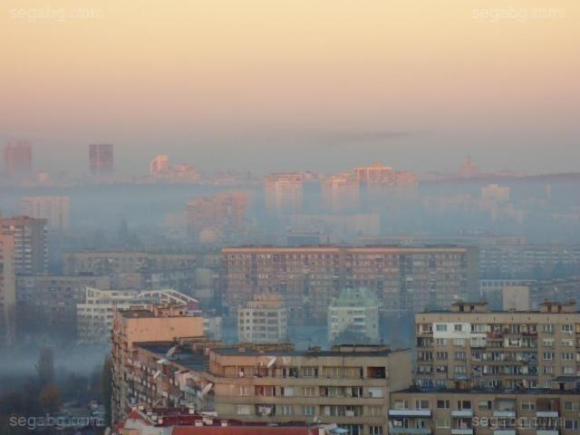 Докато Делхи и други големи градове достигнаха нови токсични върхове