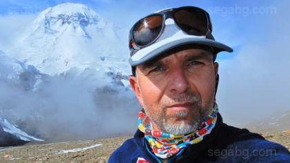 15365ba1d98 В посолството на България в Пекин на 6 май е постъпила информация от  Тибетската алпинистка асоциация, че българският алпинист Боян Петров е в  неизвестност ...