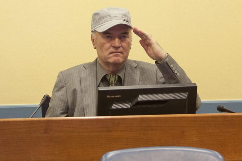 Ратко Младич пред трибунала в Хага. Снимка: архивЛидерът на босненските
