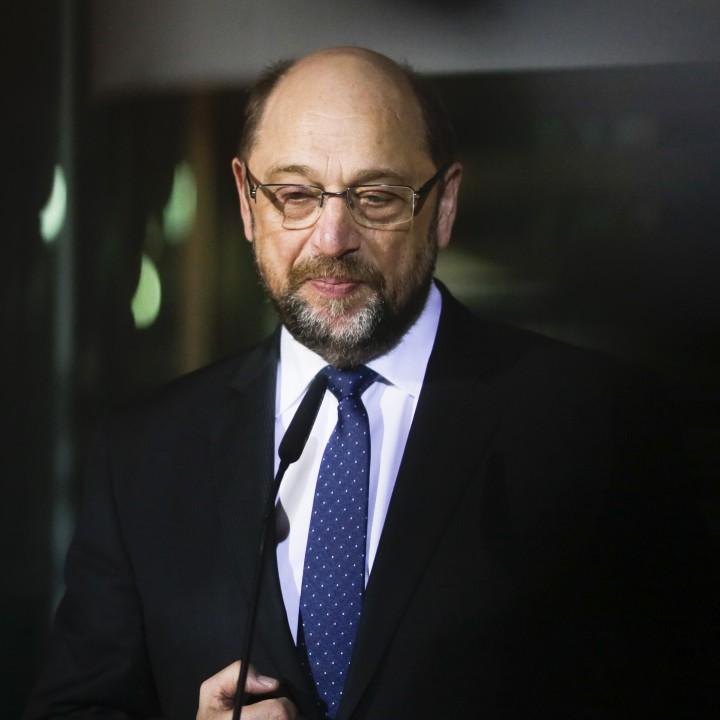 Лидерът на германските социалдемократи Мартин Шулц подава оставка, предадоха агенциите.
