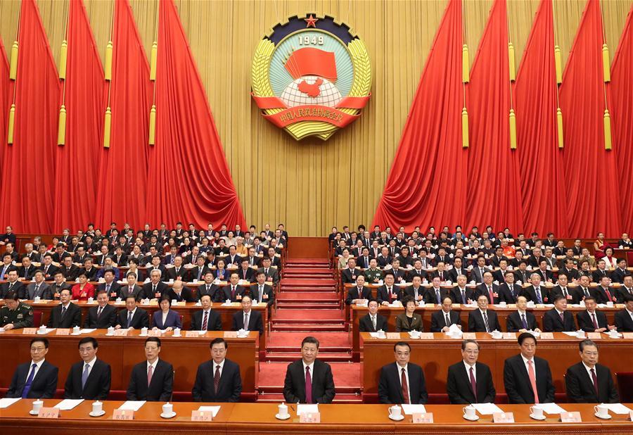 Новото правителство на Китай. В средата е президентът Си Цзинпин,