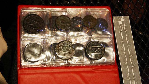Снимка: БГНЕСЗлатни кюлчета и монети, намерени в потъналия през 1857
